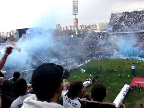 Video - Velez Campeon 2009, Salida del equipo a la cancha - La Pandilla de Liniers - Vélez Sarsfield - Argentina