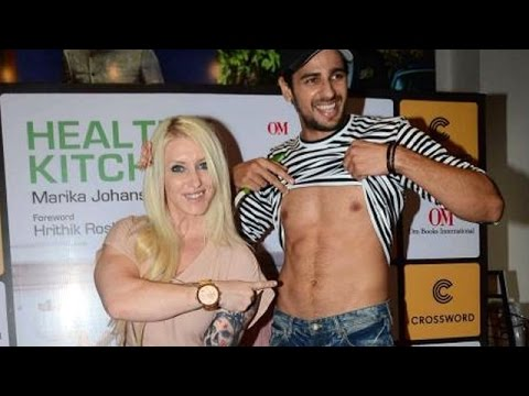 Siddharth Malhotra Shows His SEXY Abs
