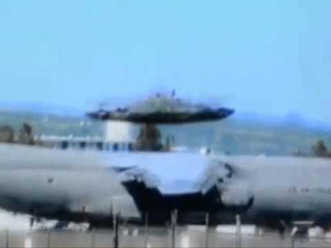 tecnologia ufo filmata in una base militare