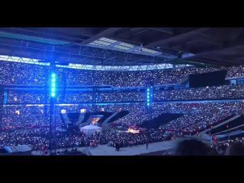 190601 BTS at Wembley 방탄소년단 영국 웸블리 콘서트 + 영국아미들이 광장에 모인 이유!