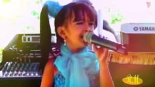 Download Video penerus Evi masamba - penyanyi cilik bersuara merdu (lagu Bugis) MP3 3GP MP4