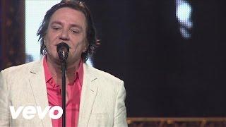 Music video by Fábio Jr. performing Pareço Um Menino. (C) 2012 Sony Music Entertainment Brasil ltda.