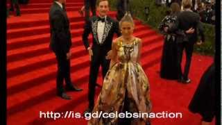 Jennifer Lawrence 'photobombs' Sarah Jessica Parker as Marion Cotillard laughs at Met Gala in NYC