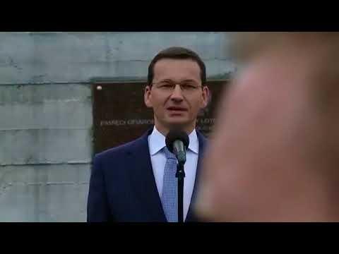 Musicie to zobaczyć! Morawiecki w Kraśniku podczas odsłonięcia pomnika L. Kaczyńskiego.