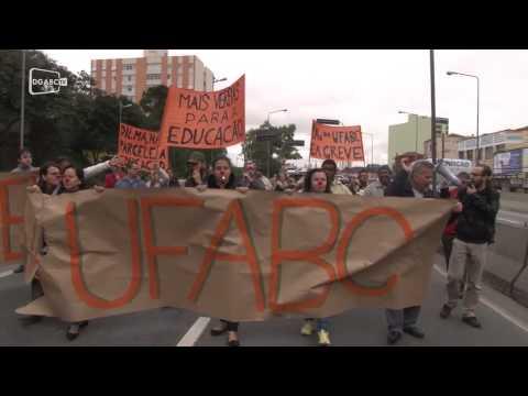 Técnicos da UFABC protestam por investimentos; veja vídeo