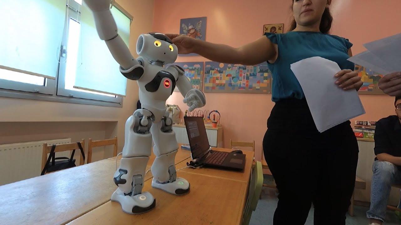 Δωρεάν αξιολόγηση παιδιών με μαθησιακές δυσκολίες και συνεδρίες με τη χρήση κοινωνικών ρομπότ