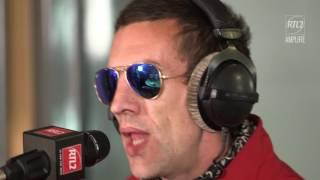 "Video Richard Ashcroft - ""Hold On"" en Session Très Très Privée MP3, 3GP, MP4, WEBM, AVI, FLV November 2018"