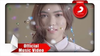Video Isyana Sarasvati - Keep Being You (Official Music Video) MP3, 3GP, MP4, WEBM, AVI, FLV November 2018