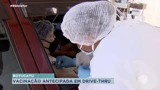 Botucatu inicia vacinação em sistema drive-thru para idosos acima dos 90