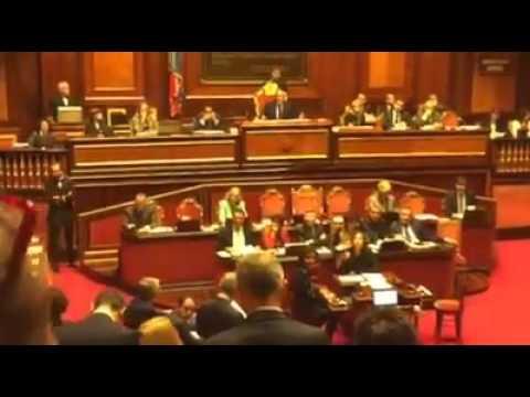 grasso censura il capo gruppo al senato del m5s