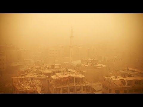 Ισχυρή αμμοθύελλα «σκέπασε» τη Μέση Ανατολή