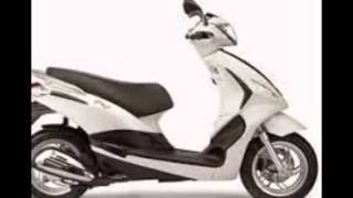 8. 2015 Piaggio Fly 150 First Look New Model in Slide Show Review Price Specs