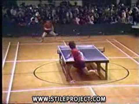 「卓球で側転のスーパープレイw」のイメージ