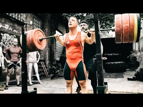 powerlifting - Check out our latest squat session - 2 Powerlifters, 1 Weightlifter and 1 Bodybuilder Competing against each other in a friendly session @ Berlin Strength - ...