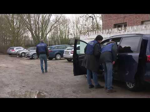 Neuss: Bundesinnenministerium verbietet nach Razzien PKK- ...
