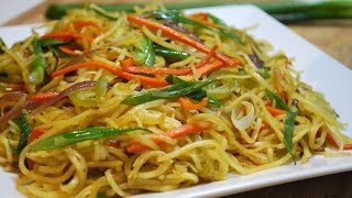 Hakka noodles is a popular Indo-Chinese dish. Incredibly easy to make and delicious! Ingredients150g Hakka Noodles1 Tbsp Oil1 Tbsp Garlic minced1 Small Onion sliced1 Green Pepper sliced1 Carrot sliced1/4 Tsp Salt1/4 Tsp Pepper powder1 Tsp Soy sauce1 Tsp Chili sauce Or 1/2 Tsp vinegarGreen Onion ChoppedEnjoy~A
