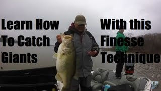 Video Lake Fork Bass Fishing: Wacky Worm Tips and Techniques MP3, 3GP, MP4, WEBM, AVI, FLV Agustus 2018