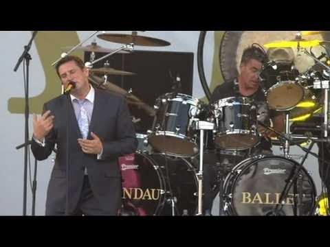 Spandau Ballet - Gold (live)