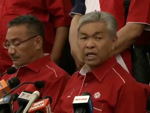 Rakaman sidang media oleh Pemangku Presiden UMNO Datuk Seri Dr Ahmad Zahid Hamidi