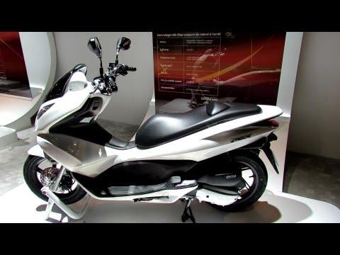 2013 Honda PCX125 Scooter - 2012 Paris Auto Show - 2012 Mondial de l'Automobile