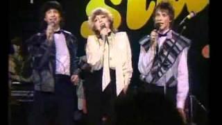 Toto je československá singlová hitparáda roku 1984.Sledujete pořadí na 30. - 21.místě.