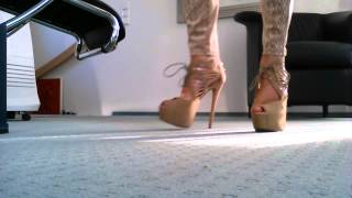 Walking In Sexy 7 Inch High Heels