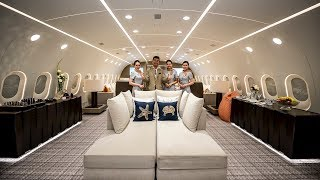 Video Inside The World's Only Private Boeing 787 Dreamliner! MP3, 3GP, MP4, WEBM, AVI, FLV Agustus 2019
