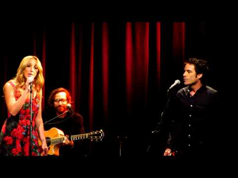 bruises - Ashley Monroe and Pat Monahan (from Train) appeared at the Country Music Hall of Fame's 