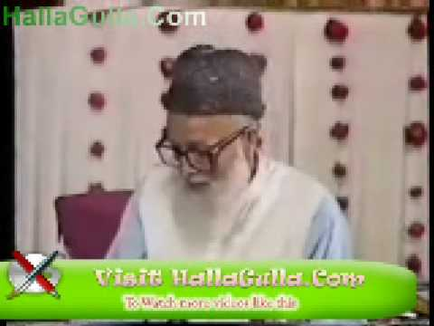 Mazahiya Mushaira Inayat Ali Khan Funny Poetry HallaGulla Com 