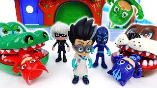 Video Romeo With Giant Bulldog & Croc~! Go PJ Masks - ToyMart TV MP3, 3GP, MP4, WEBM, AVI, FLV Oktober 2018