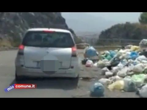 Scalea, il lancio della spazzatura: colpiamo i balordi