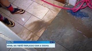 Rio Tietê sobe e invade casas em Salto