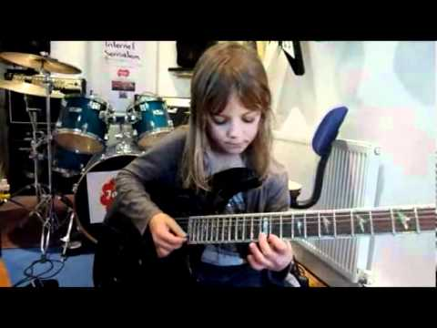 天才8歲小女孩,竟然已經是神手級的吉他高手!