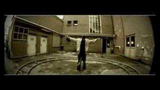 """Mehr über F.R.: http://facebook.com/effarr Das zweite Video aus dem Album """"Vorsicht, Stufe"""" (2008) Copyright protected work."""