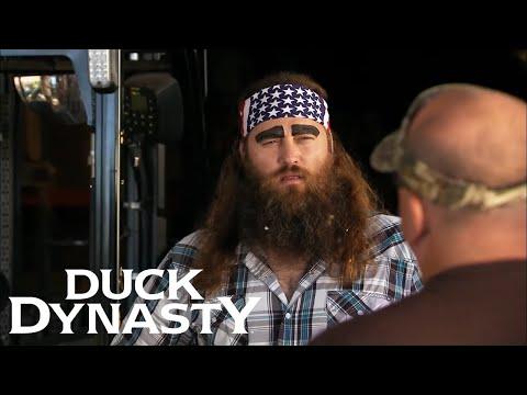 Duck Dynasty: Si Falls Asleep on the Job (S5 Flashback) | Duck Dynasty