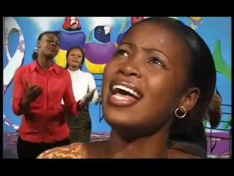 Charles MOMBAYA feat Sandra MBUYI - Bandeke (видео)