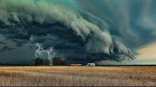 Страшный и разрушительный торнадо, смерч и ураган, буря YouTubeFotoVideo