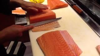 Video Corte Japon├Еs y preparaci├│n del salm├│n para sushi y sashimi MP3, 3GP, MP4, WEBM, AVI, FLV April 2019