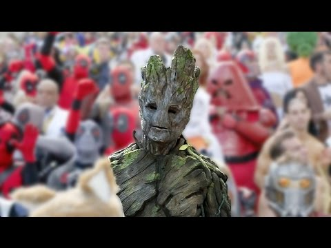 Director! - James Gunn (director of Guardians of the Galaxy) and his brother Sean (who played a couple roles in the film) surprised Marvel cosplayers at Dragon Con in Atlanta. Avengers comic book artist...