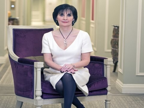Enya: I Want My Music to Be Famous Not Me