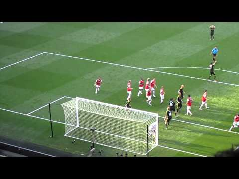 Arsenal - Liverpool 1-1 Dirk Kuyt