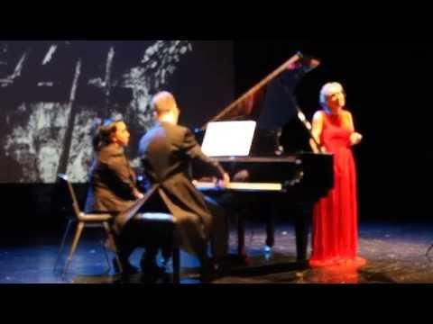 Pianojolea - Ainhoa Merzero sopranoa eta Alberto Saez pianojolea II. Aste Musikalaren barnean kultur-etxean emandako kontzertuan.