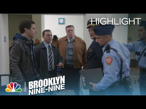 Brooklyn Nine-Nine 2.18 (Clip 1)