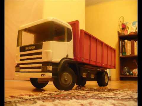 Camión de madera modelismo - Camión construido casi en su totalidad en madera parabrisas y ventanas de vidrio los focos iluminan realmente y las puertas se pueden abrir. deje toda la can...