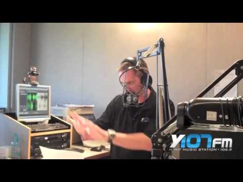 Comedian Josh Sneed drops by the Y107 Studio