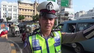 Video Menolak Ditilang, Pengendara ini Ajak Bripda Andre Berdamai - 86 MP3, 3GP, MP4, WEBM, AVI, FLV Juni 2017