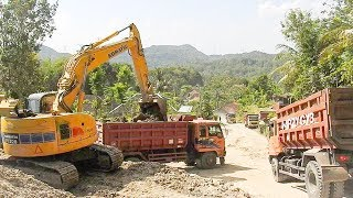 Komatsu Digger Loading Limestone Into Dump TruckRelated Videos :Excavator Accident Kobelco SK200 Fuso Self Loader Truck Heavy Recovery   https://www.youtube.com/watch?v=ICOPK--lg-8Excavator Stuck Kobelco SK200 End of Recovery   https://www.youtube.com/watch?v=kY7hj792ft8Stuck Concrete Mixer Truck Heavy Recovery   https://www.youtube.com/watch?v=LK6PLnzFc98Mini Excavator Stuck Heavy Recovery Komatsu PC75UU  https://www.youtube.com/watch?v=3S9_7v59Bw0Excavator Stuck In Mud Kobelco SK200 Heavy Recovery Extended   https://www.youtube.com/watch?v=xy0NJr6WiyMMini Excavator Heavy Recovery Kobelco SK200   https://www.youtube.com/watch?v=OQuK_zIVmOQExcavator And Dozer Working On Road Costruction Site   https://www.youtube.com/watch?v=y_teBRYkIr8Dump Truck Delivering And Unloading Dirt At Road Construction Site   https://www.youtube.com/watch?v=5NC7iOSlMaAAsphalt Eater Machine Working SAKAI ER501F Cold Milling   https://www.youtube.com/watch?v=X4scDsUywJUDump Truck Stuck Recovery By Komatsu D85E-SS Dozer   https://www.youtube.com/watch?v=uPIPBXwf5GgQuester Self Loader Truck Moving Tire Roller   https://www.youtube.com/watch?v=tP441urn90YLarge Excavator Working On Road Construction   https://www.youtube.com/watch?v=giFm4XtCRVwSelf Loader Truck Unloading Komatsu D85E-SS Bulldozer Working   https://www.youtube.com/watch?v=wfHW7zWqSAkEpic Dump Truck Stuck Off Road Recovery Part 2   https://www.youtube.com/watch?v=RbXXcZx1khEEpic Dump Truck Stuck Off Road Recovery Part 1   https://www.youtube.com/watch?v=VUbycrsciNwEpic Dump Truck Off Road   https://www.youtube.com/watch?v=YmGKGqh5mS0Large Excavator Work CAT 336D LME Swingging Dirt   https://www.youtube.com/watch?v=CW_UgsKmPzsBulldozer CAT D6R Hard Working On Road Construction   https://www.youtube.com/watch?v=EVs8ocV2-AEFB : http://www.facebook.com/MrZygy3Twitter : http://twitter.com/Zygy3Web : http://zygy3.comInstagram : https://www.instagram.com/mrzygy3All About Heavy Equipment Like Digger Excavator Truck and Construction Work 