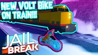 DRIVING THE NEW VOLT BIKE ONTO THE TRAIN!!! *Roblox Jailbreak Winter Update*