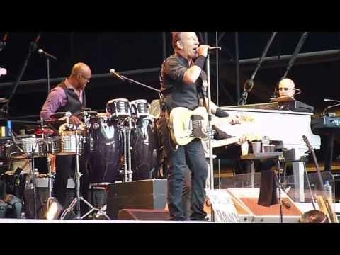 Bruce Springsteen – Cadillac Ranch (Paris, June 29, 2013)