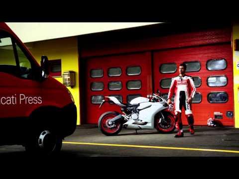 Vídeos de 'Ducati destapa su nueva 899 Panigale: ¡primeras fotos!'